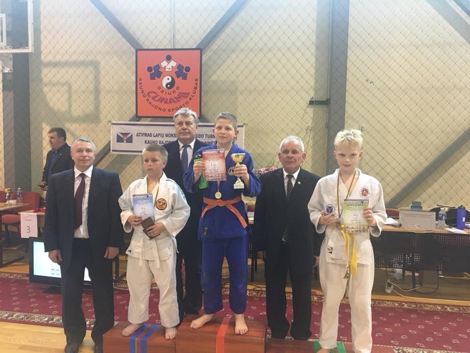 Su bronzos medaliu iš  moksleivių dziudo turnyro