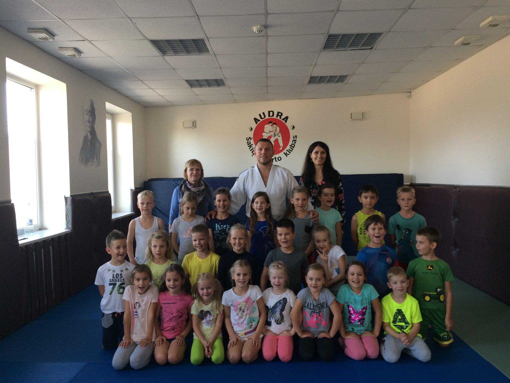 """Šakių """"Varpo"""" mokyklos pirmokų vizitas"""